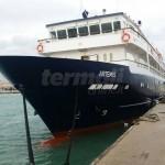 Una nave da crociera a Termoli: giro di prova per l'inserimento della tappa in un tour dell'Adriatico
